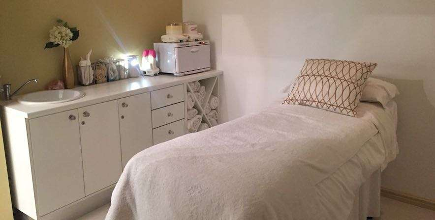Health Renewal Stellenbosch Integrative and anti-ageing treatment room die boord